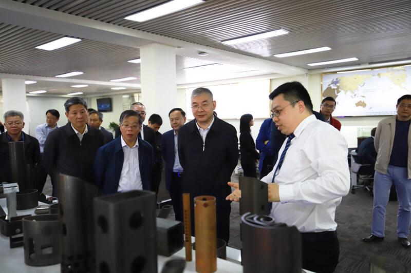 广东省政府副秘书长任小铁